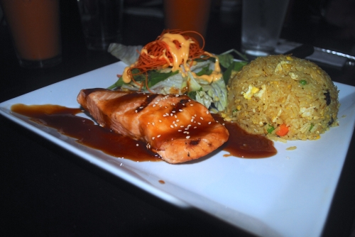 Teriyaki salmon & pineapple rice