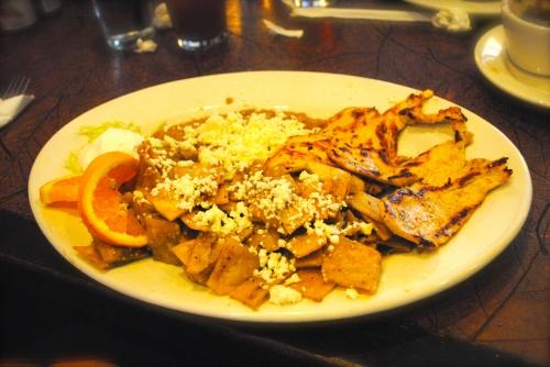 Chilaquiles con pollo